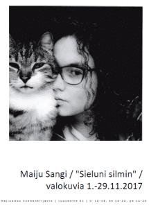 Maiju Sangin valokuvia kirjastossa